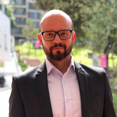 Prof Cpol Victor Mijares