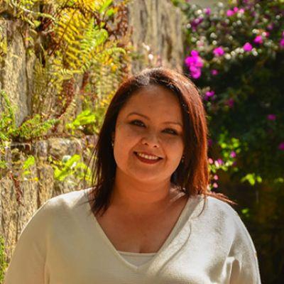 Prof Lenguas Tatiana Prada